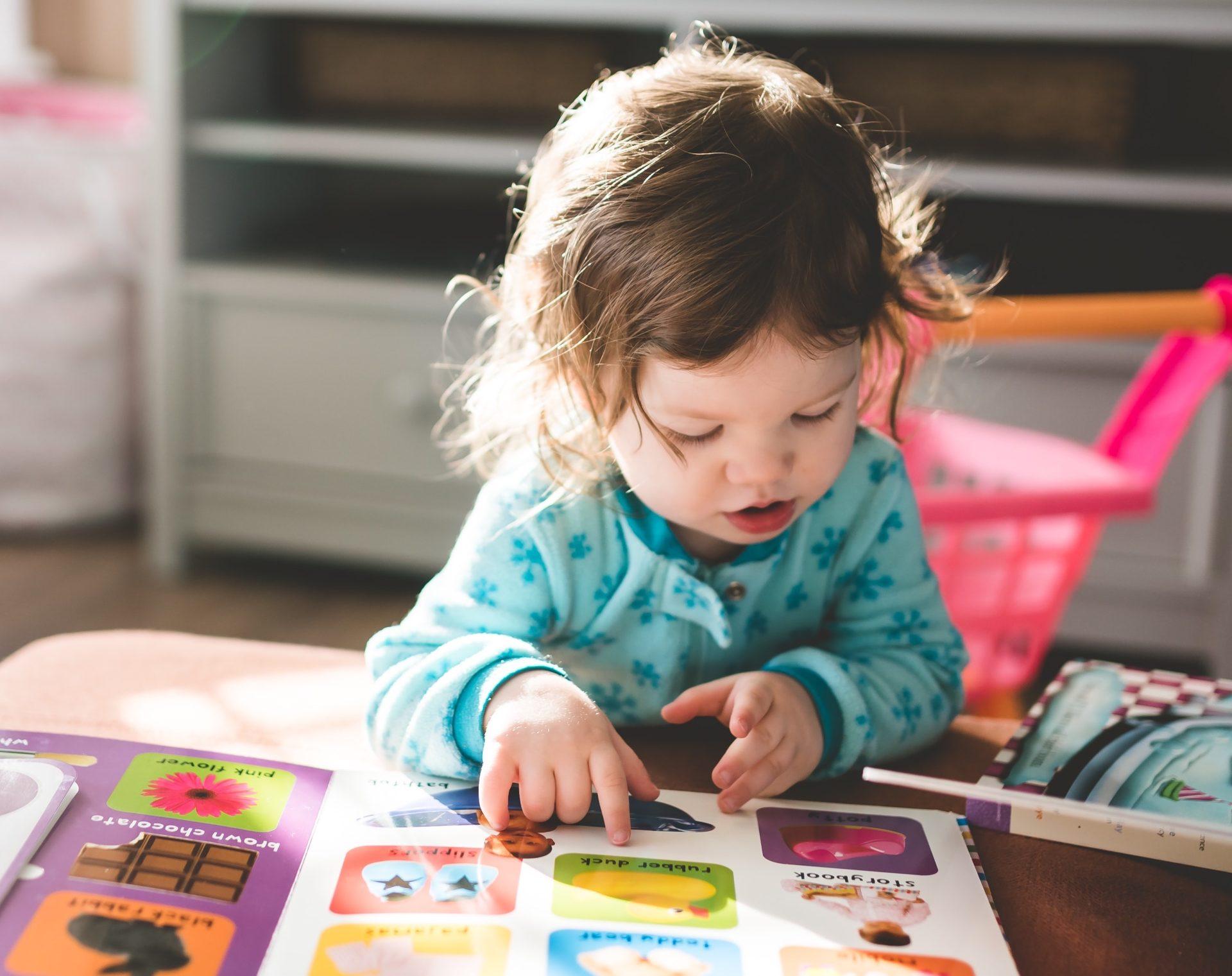 Kaksikielinen varhaiskasvatus on lapsellesi arvokas valinta